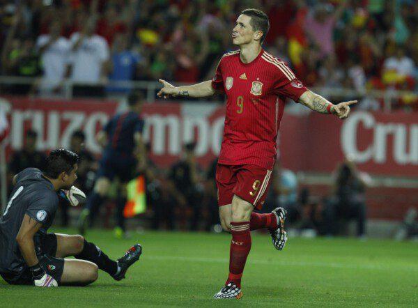 Torres, junto con Villa, ha desplazado a otras opciones como Negredo o Llorente/ Ramón Navarro