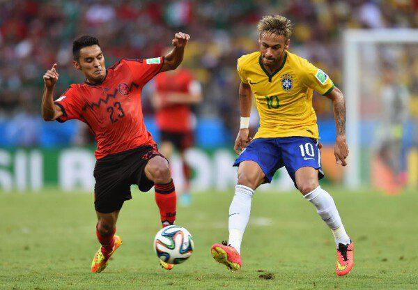 Neymar, eje en el que gira el juego de Brasil/ Getty Images