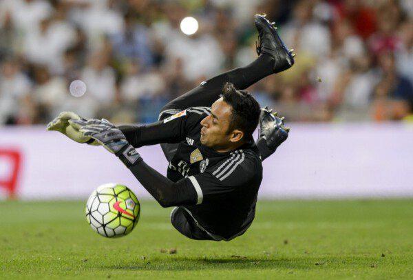 Keylor, que detuvo un penalti contra el Betis, ha salido reforzado del 'caso De Gea'/ Diego Souto