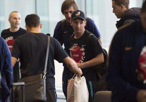 Leo Messi fue vilipendiado por compatriotas suyos en el aeropuerto de Narita/ BHQ