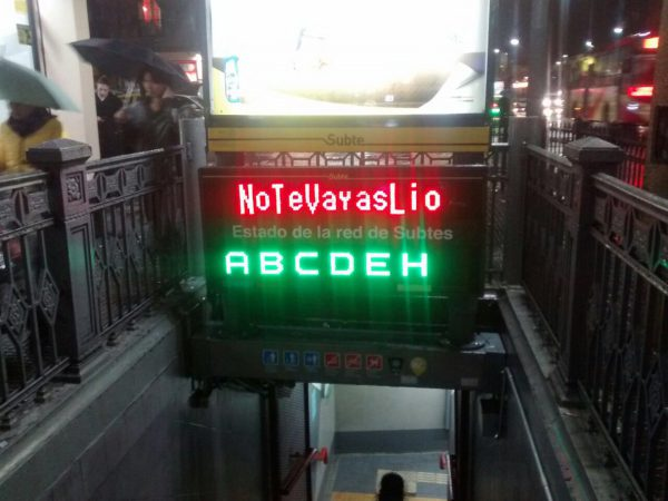 Hasta el metro de Buenos Aires pidió a Messi reconsiderar su postura/ D. Crónica